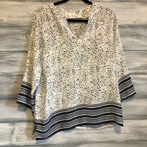 White/navy 3/4 length sleeve blouse